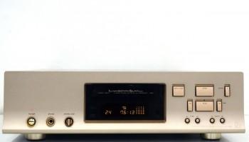 LUXMAN ラックスマン D-700s CDプレイヤー